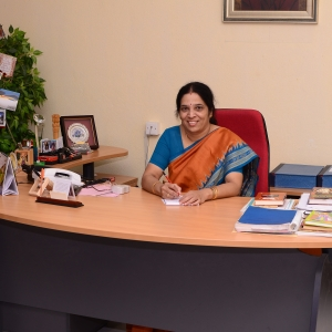 3.photo prof meena hariharan